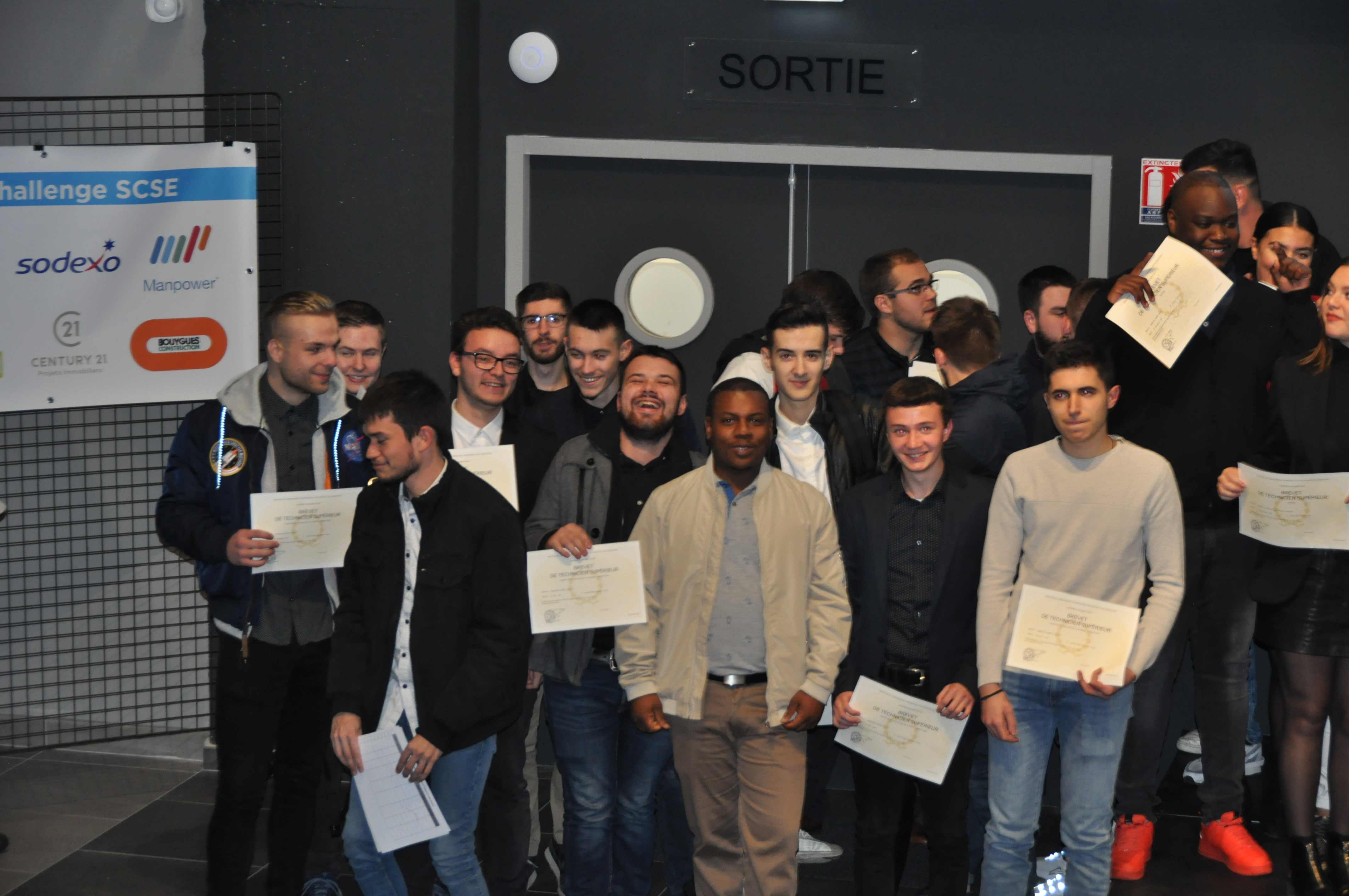 Remise Diplomes SUP0034